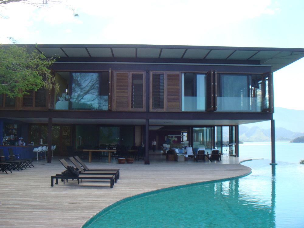Casa no Condomínio do Frade - Angra dos Reis - RJ