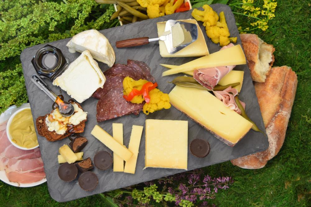 picnic royale HI.jpg