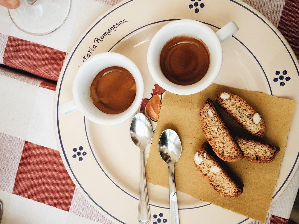 Due caffe' after lunch at Trattoria ROMANesca, Campo de fiori, rome   ©DIVORAROMA.COM BY ©MOSCASTUDIO.COM