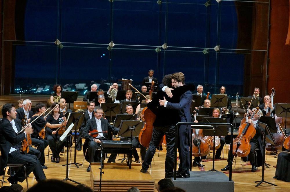 Foto concierto OFGC Maestro Viotti.jpg