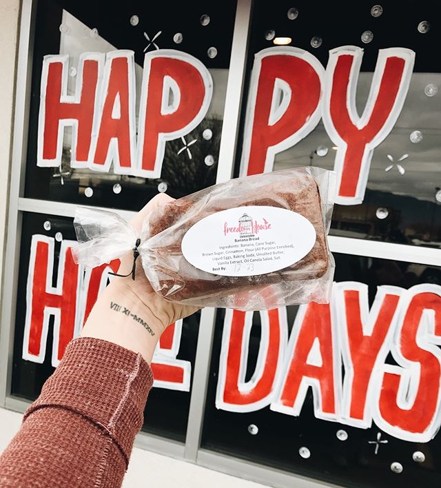 We have a last minute Christmas gift idea for you! FREEDOM HOUSE BANANA BREAD. Believe us, they. are. INCREDIBLE. All funds go to supporting our women! // Sold now at ALL WECKS and LE PEEP locations in New Mexico (other than Las Lunas Wecks)! Grab a few today! ⛄️ #forfreedom #fundfreedom
