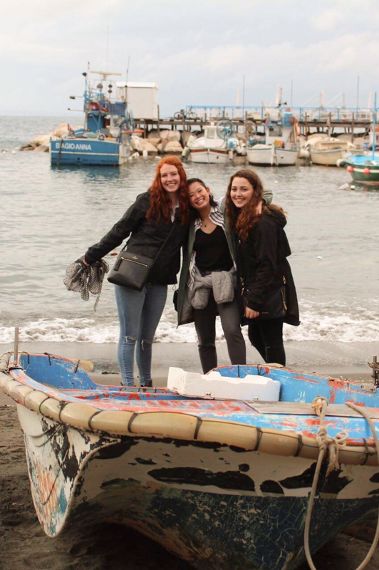3.17.18. Sorrento - There we go! Courtney, me and Caroline.