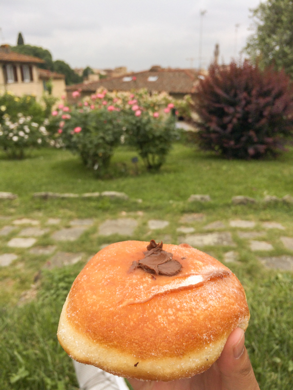 5.12.18. La Loggia pastry at the rose gardens