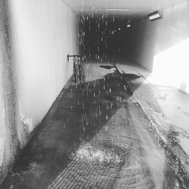Don't go chasing waterfalls #keepcyclingrad #tbonecycles #cyclingphotos #underpass #cyclinglife #litespeed #fromwhereiride #roadslikethese #waterfall #outsideisfree #cycling #bike #bikephotos #bicycle #bicyclepics #cyclingphotos #cyclists
