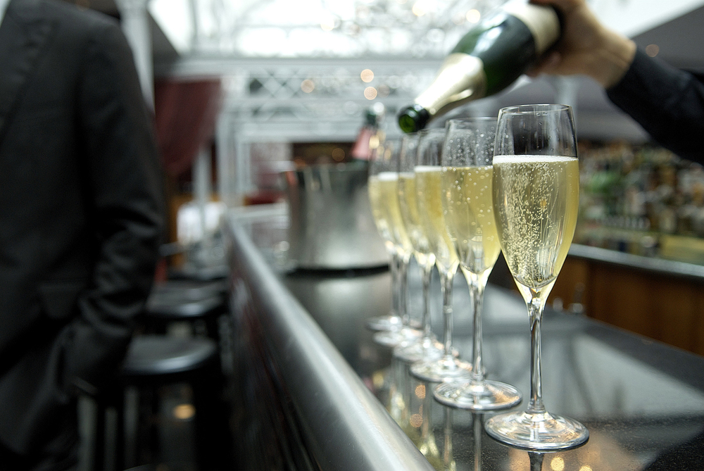 events-champagne-photo.jpg