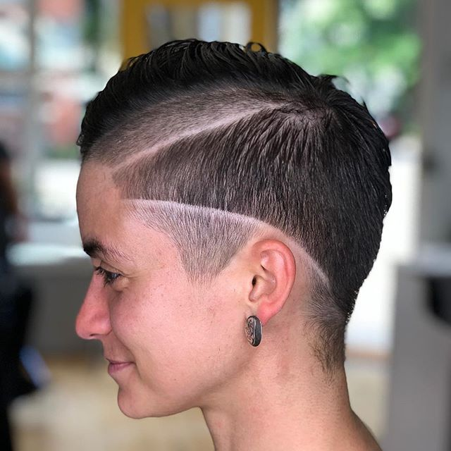 Ruby Rose inspired cut by Jenna 🙌🏼 #thehivehairstudio #newhaven #eastrock #rubyrose #behindthechair #shorthair #pixie #haircut #fades #hairgoals #ctstylist #cthair #highfashion #trendy #hivehair