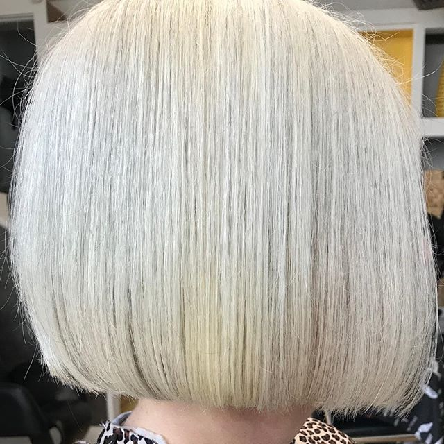 Every season is bob season! Cut done by Jenna #thehivehairstudio #ctstylist #hivehair #behindthechair #aveda #eastrock #newhaven #bobseason #everyseasonisbobseason #bob #bobhaircut