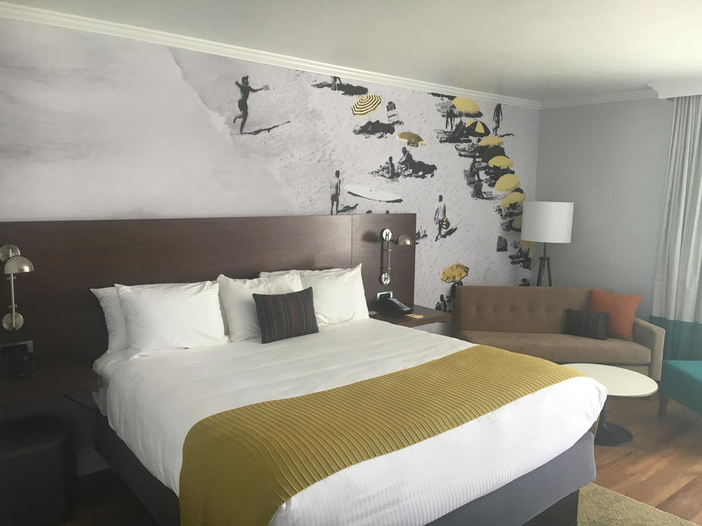 New Bedroom at Town & Country Hotel San Diego