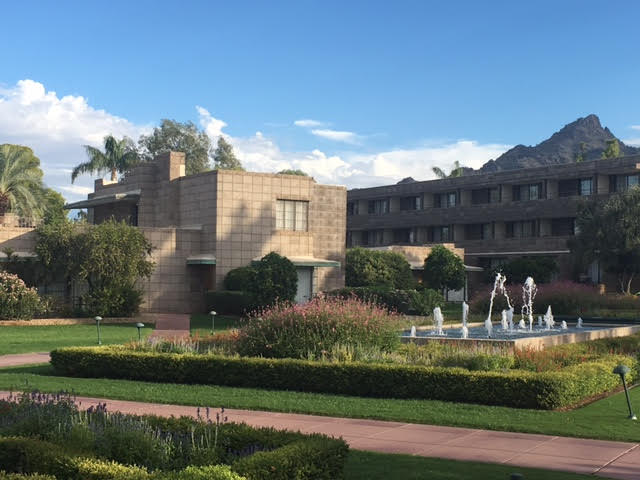 Courtyard area at Arizona Biltmore. @SmartMeetings