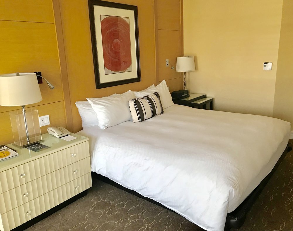295 - Spacious guest rooms @SofitelLA