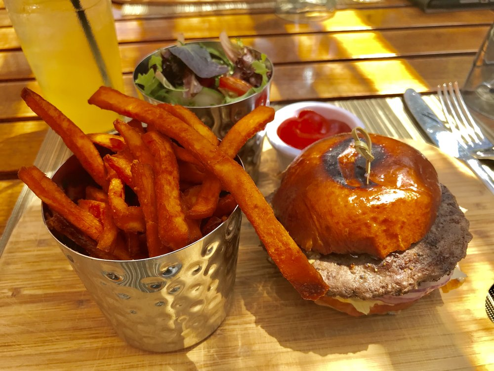 Try the new Cattle & Claws pop-up concept - Great Burgers! @SofitelLA