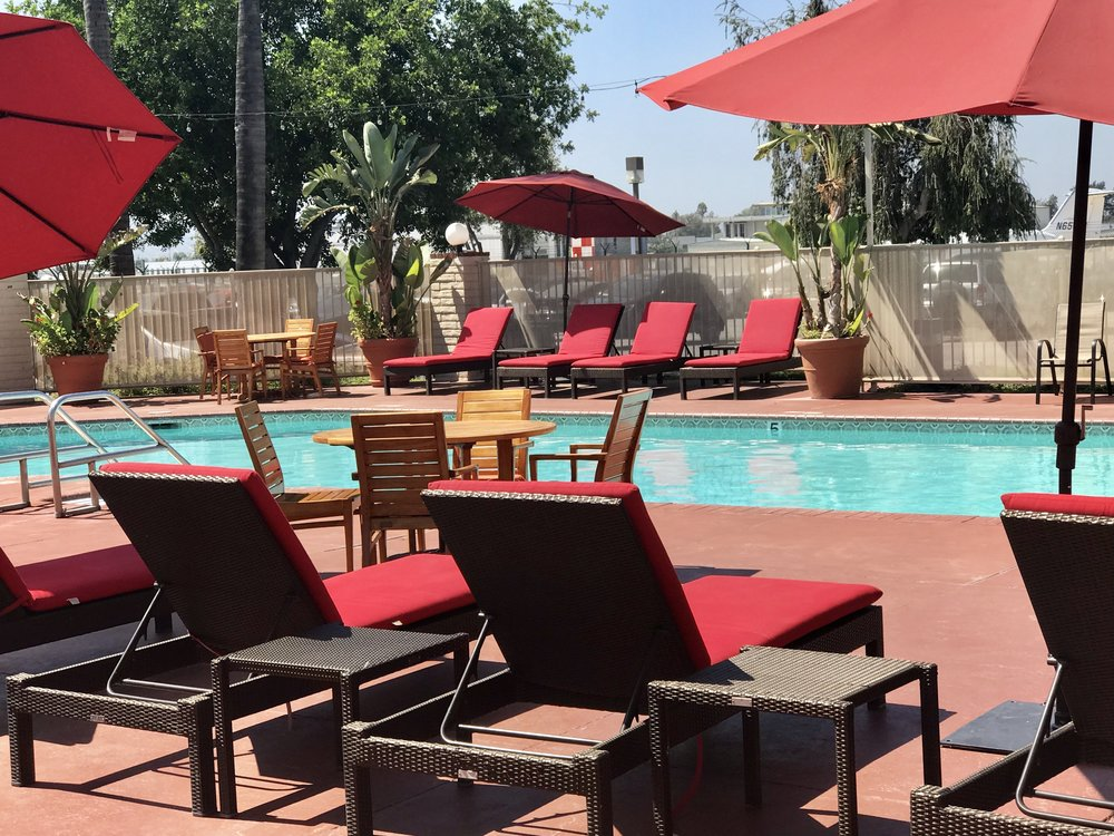 Great pool area. @AirtelPlazaHotel