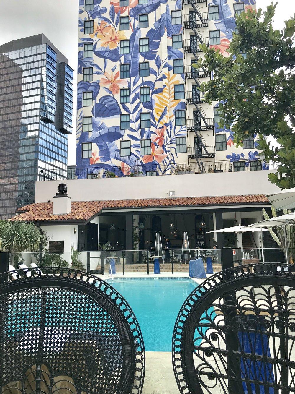 Great pool & bar @HotelFigueroa - #DestinationCA