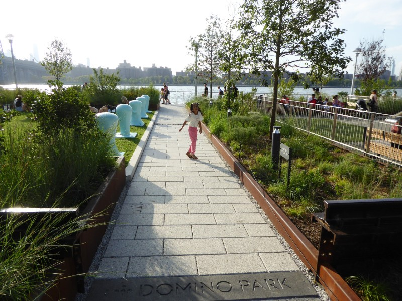 Cross-park path connecting to East River waterfront