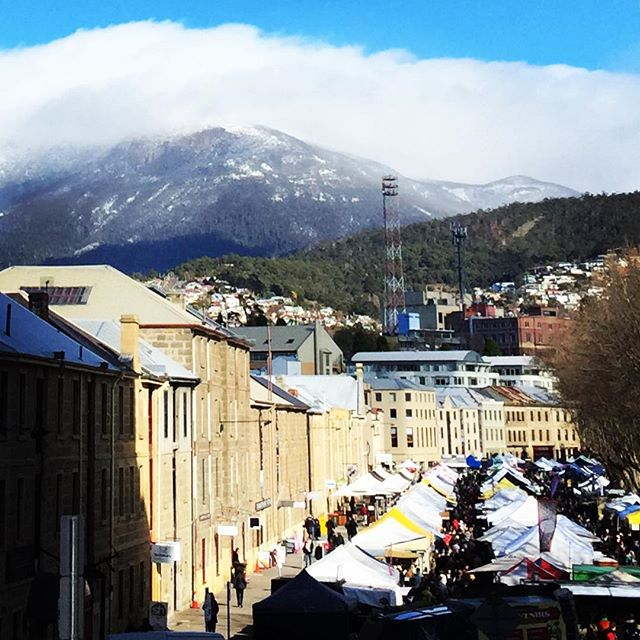 Beautiful day here in Hobart#sunisshinning☀️#tasmanianlife #shoplocal #mountainview#market