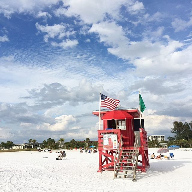 Warming up on the beautiful beaches of Florida in the SUN. Siesta, Lido, Venice and Annamarie all worth a visit #funinthesun#familyadventure#Florida#USA