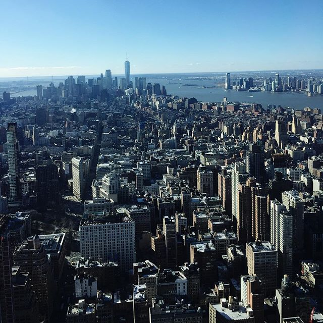 In Love with  NYC ❤️ A trip up the Empire State  holding #happyvalentinesday#farewellNYC#holidaynearlyover#backtowork