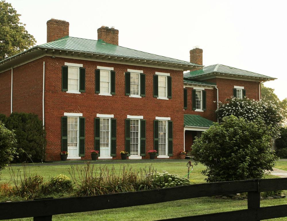 house-176988_1920.jpg