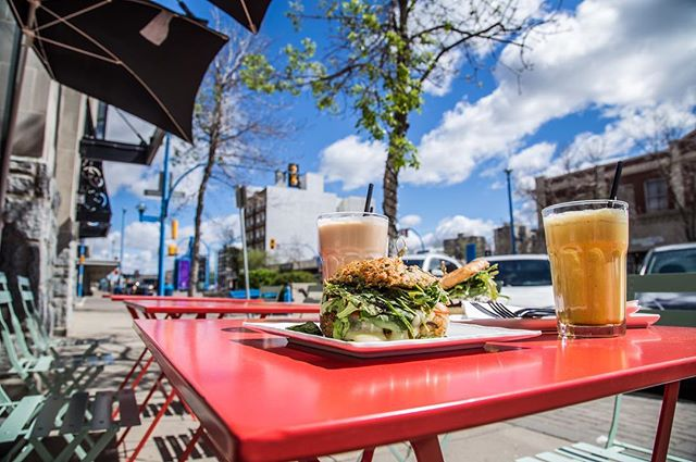 It's patio season! Time for festivals, new summer menu items, iced drinks and lots of sunshine. #vegan #vegetarian #YXE #glutenfree #nightlife #dtnyxe #karma #plantbased #colddrinks