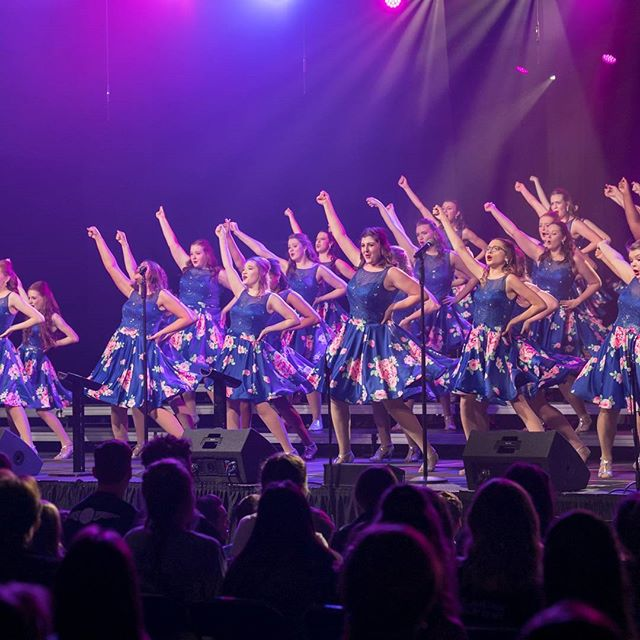It's been a week since Clash of the Sequins & we miss it already! What was your favorite thing at #theclashcomp? 🥊🥊 #showchoir #showchoirlife #nnhs