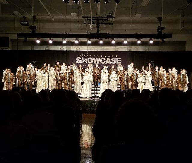 Entourage on stage at John Hersey Chicagoland Showcase!  #showchoir #nnhs #naperville #entourage #chicagolandshowcase