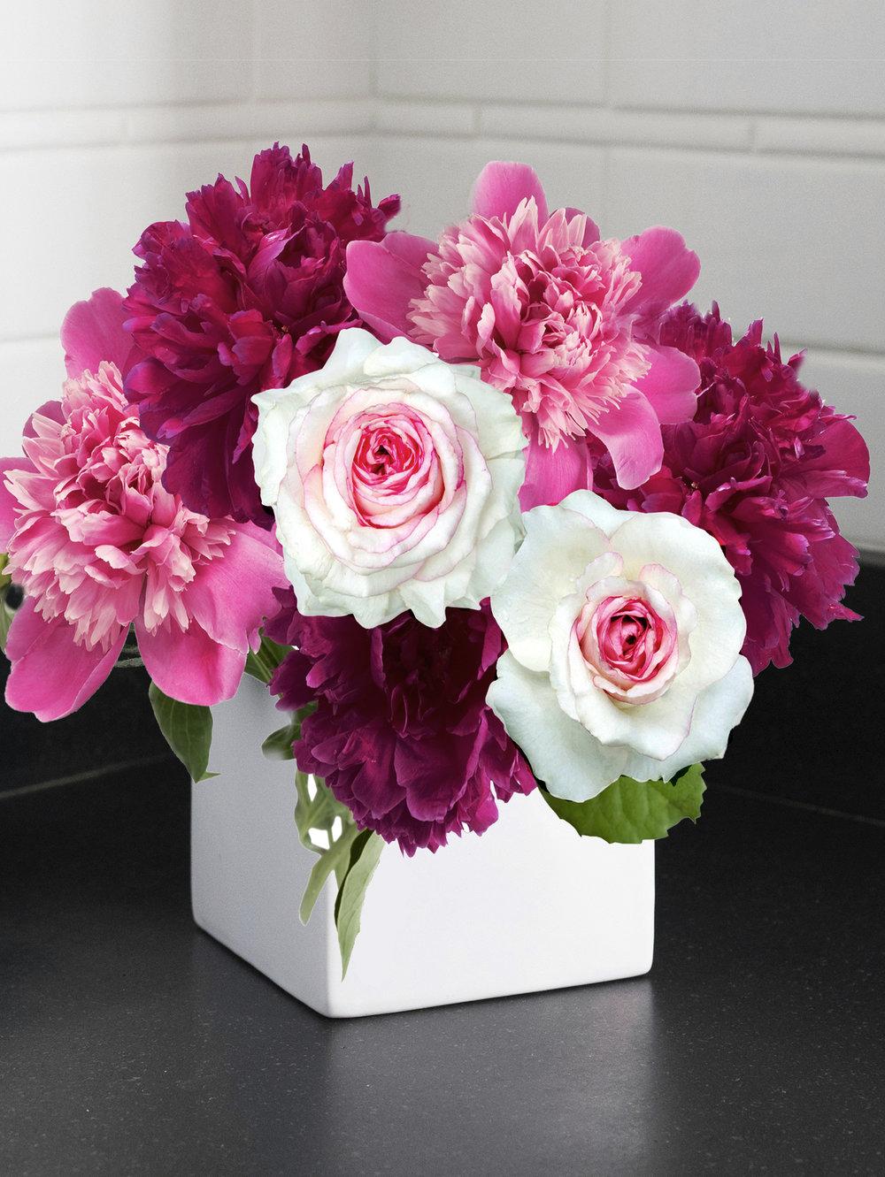 FloralBouquetinSquareVase