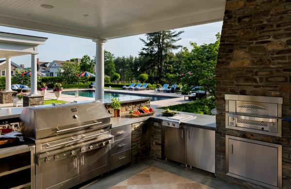 The working side of this outdoor kitchen.