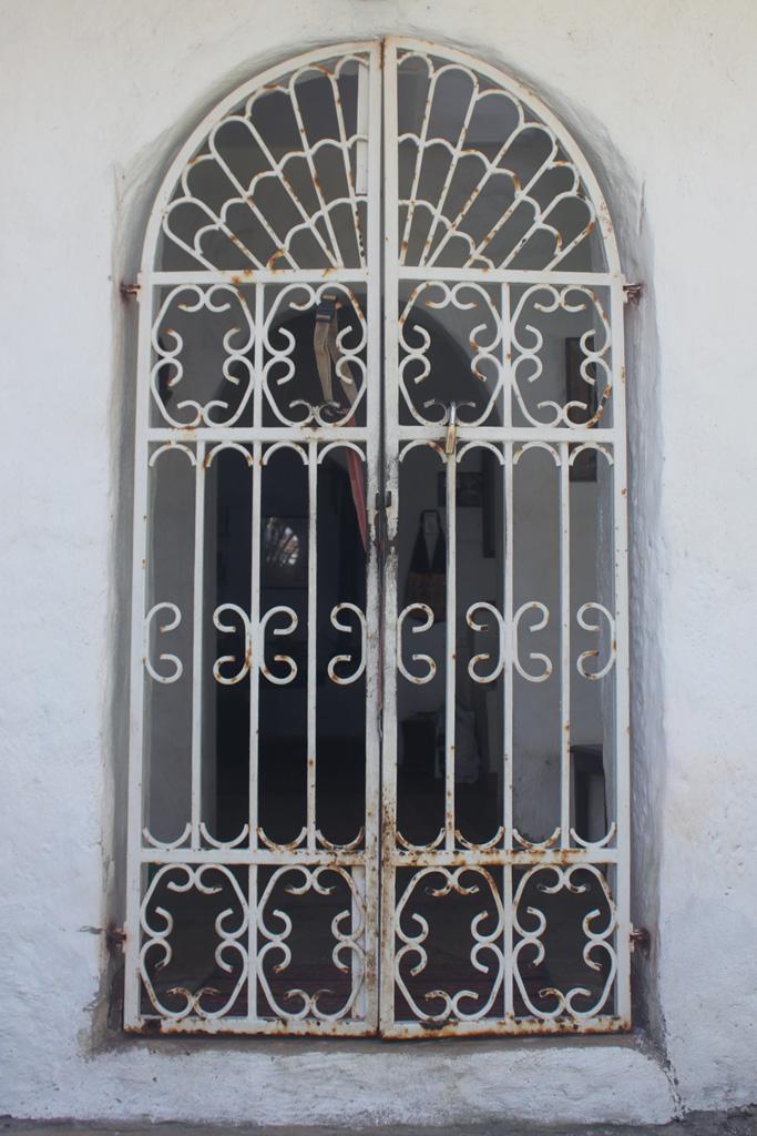 kenya_appartment_door.jpg