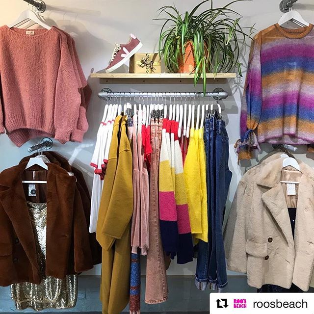 We can never seem to escape last minute Christmas shopping 🤷🏻‍♀️ #Repost @roosbeach with @get_repost ・・・ Who said winter fashion had to be dull?! Not us! Come and see us today open 10-4 and the creative Penny with her @mintpods will also be here, not forgetting the coffee shop @roosbeachcoffee for all your coffee needs. 🎁👗🌱☕️🧁