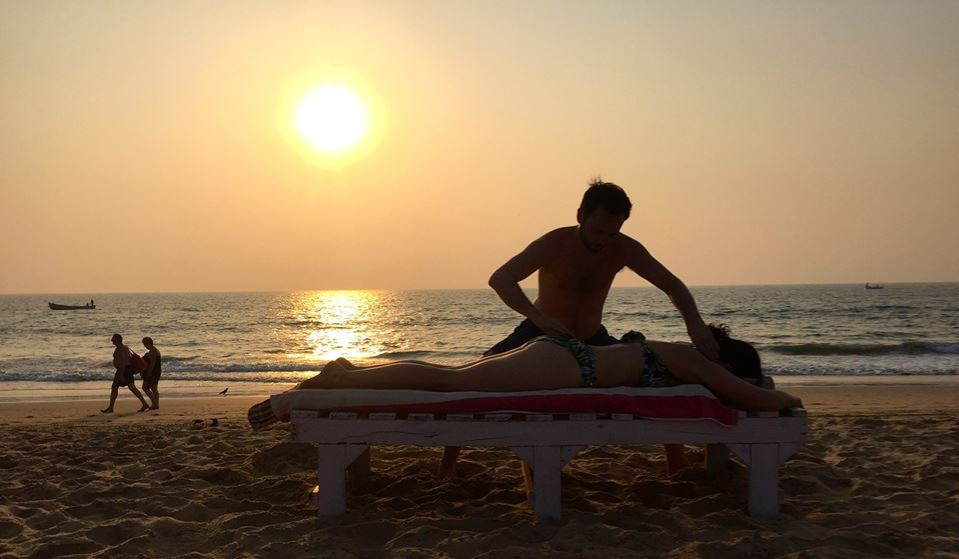 Serving up a sunset realignment in Goa, India