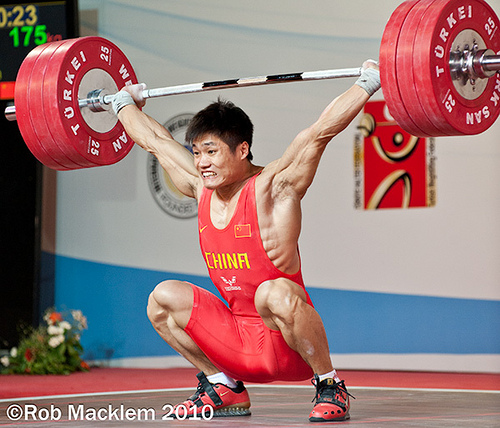 China's Lu Xiaojun in the receiving position of the Snatch