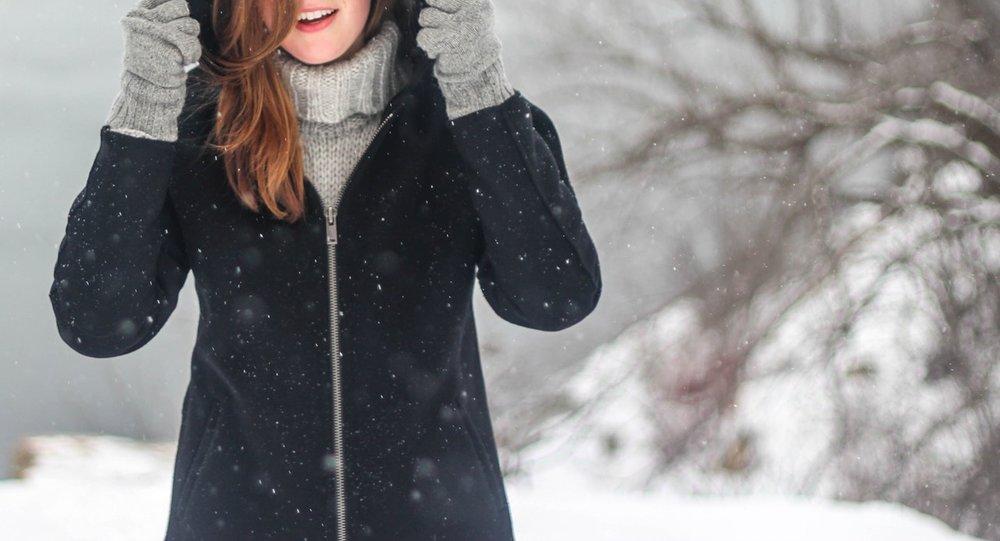 Girl-In-Jacket-Outside-Freezing.jpeg