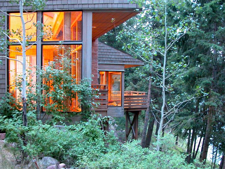 z_hillside_cabin_1.jpg