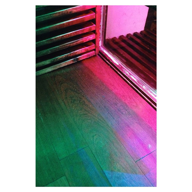 Enter. #neon #pink