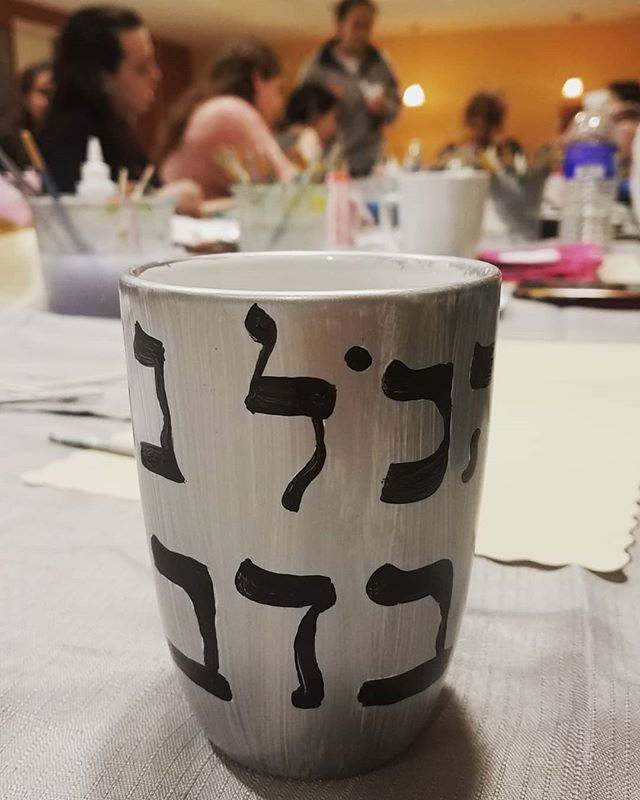 Group mug painting at Binghamton University Chabad #create #paint #imagine @binghamtonnewyork  To plan your painting party check out the KAPOW website-  https://kapowartnow.com/glass-painting#new-page