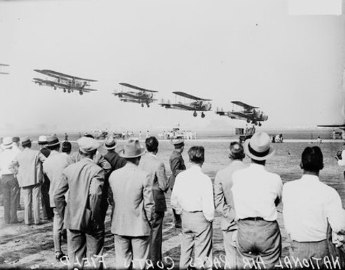 Spectators watching the National Air Races at Curtiss Field, Chicago, Illinois, 1930.