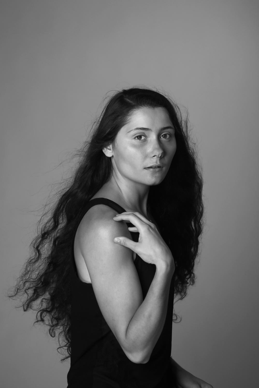 Model: Na'ama Asido