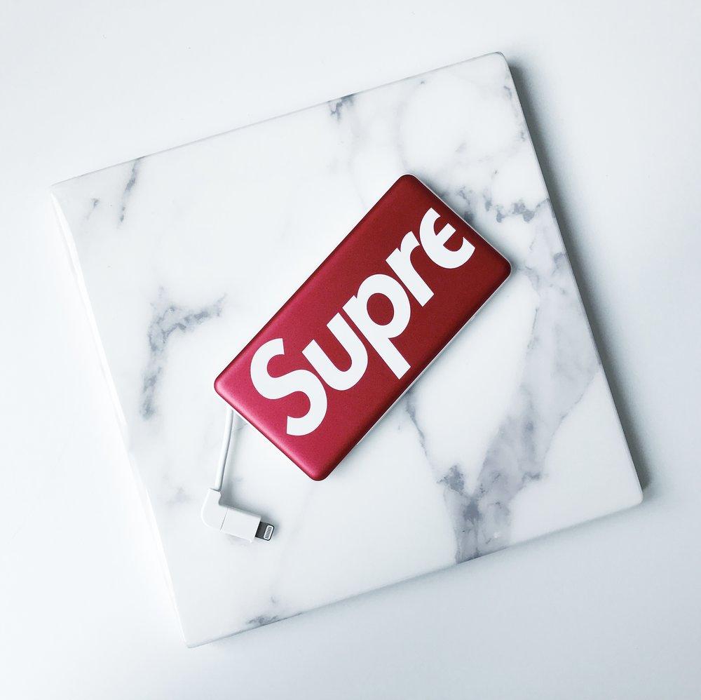 supreme / mophie