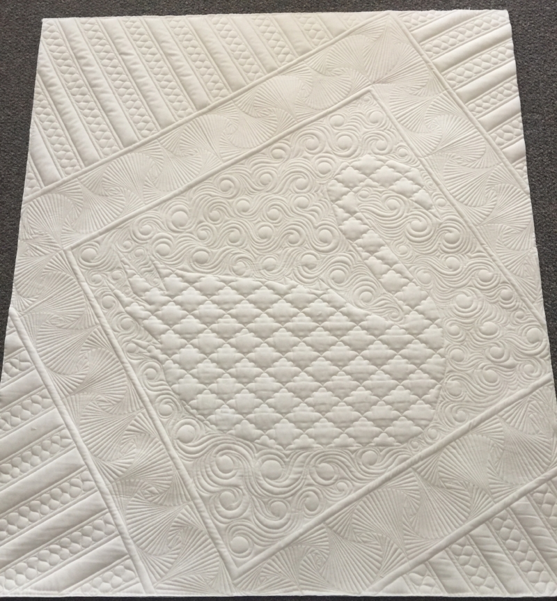 longarm machine quilting on buttercup quilt for art gallery fabrics
