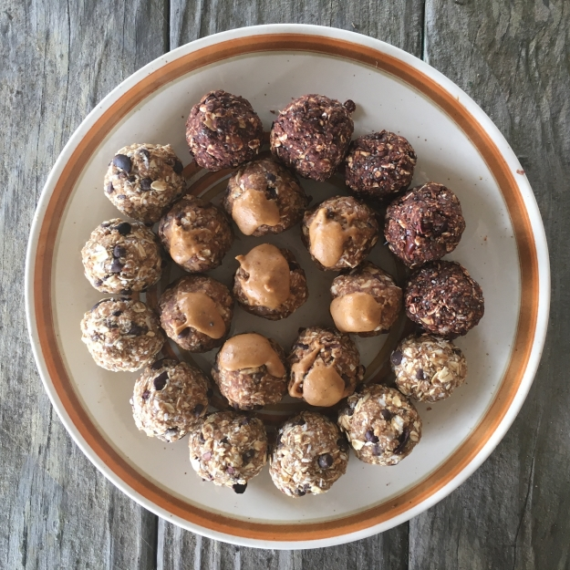 livecleankitchen-superfood-energy-balls