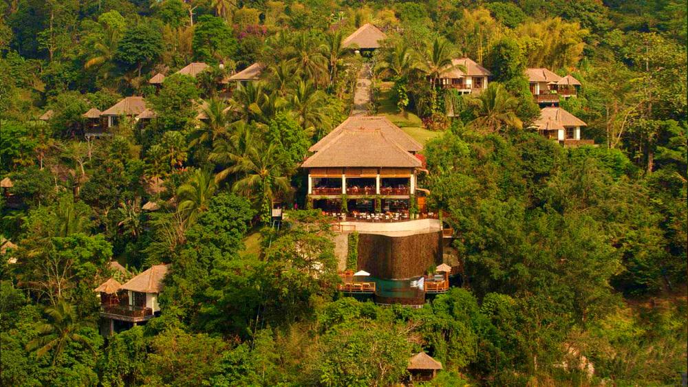 Hanging gardens ubud hotel video review traveller 39 s bazaar for Garden pool villa ubud village resort