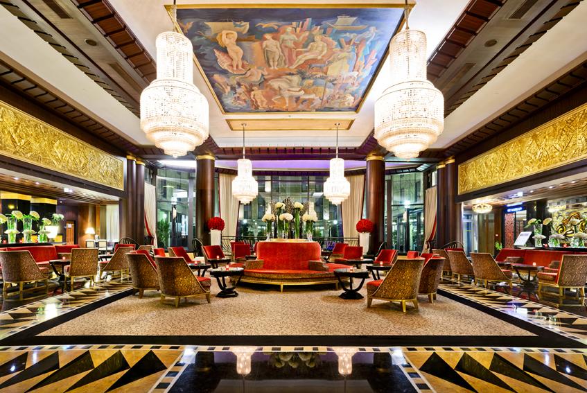The lobby of L'Hotel du Collectionneur Arc de Triomphe
