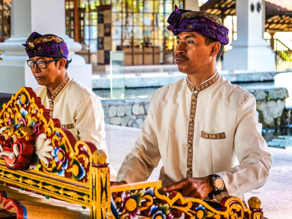 Beautiful Balinese music is played live in the lobby