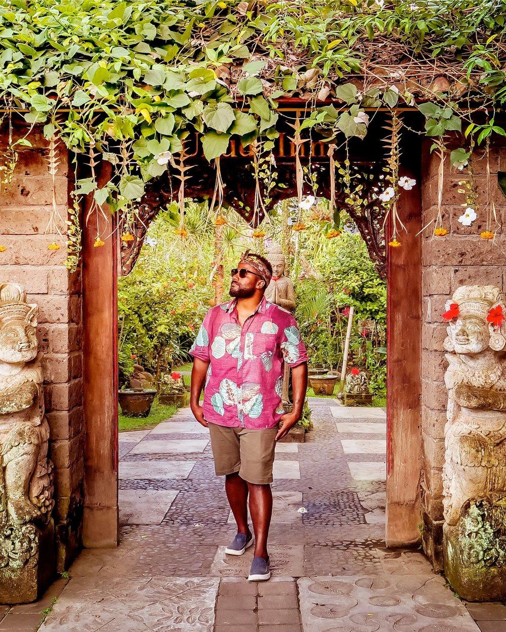 Bali Group Trip Black Travel