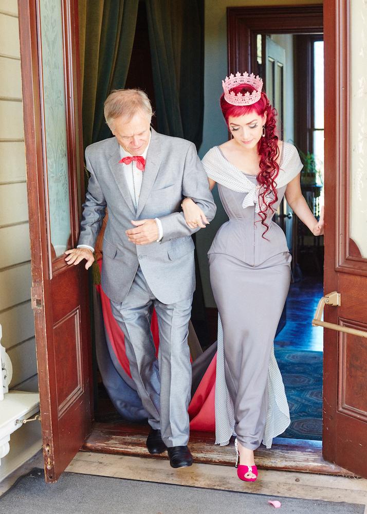 Pop Antique with Dark Garden wedding ensemble | Photo © Gaede-Glass Photography