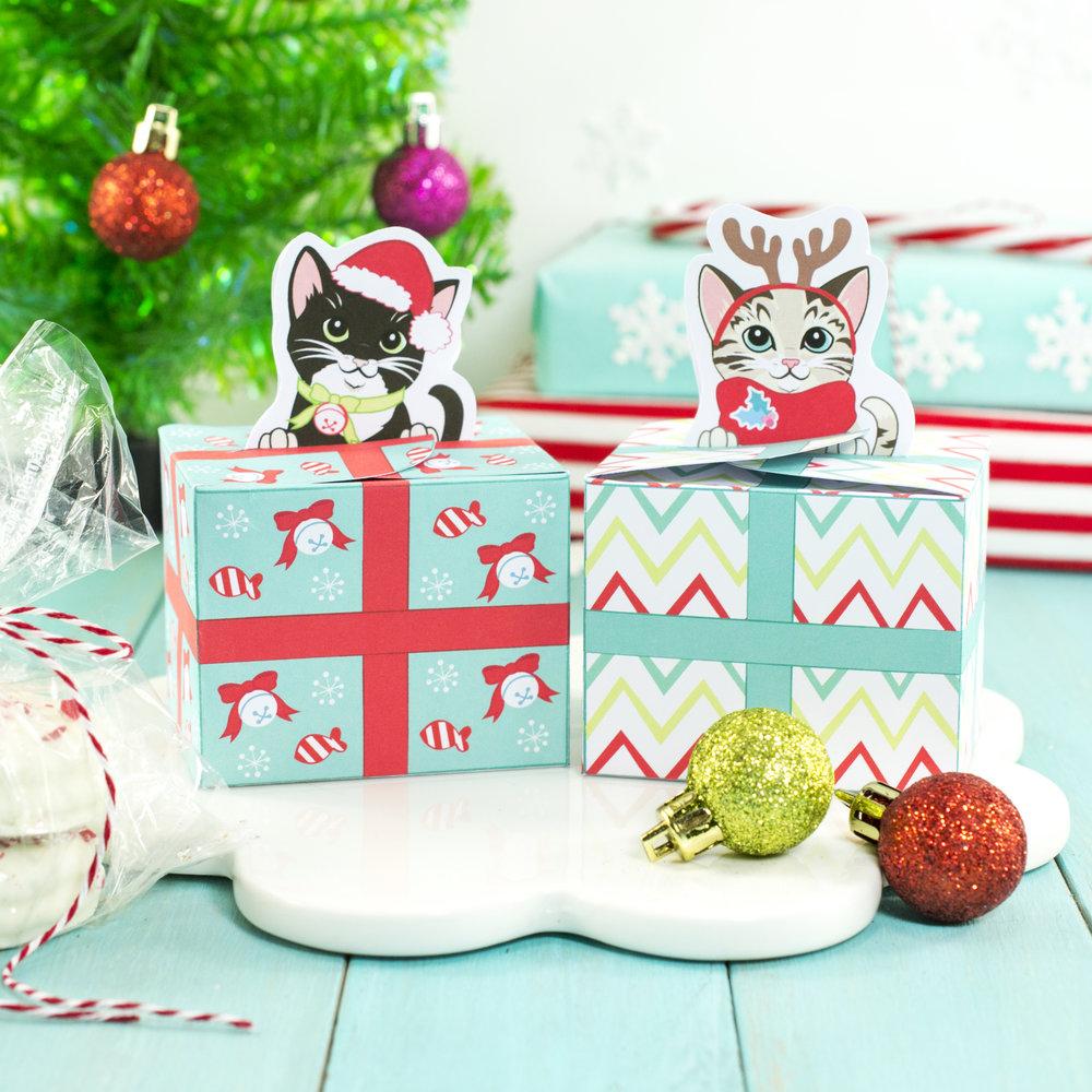 ChristmasKittyGiftBoxSquare.jpg