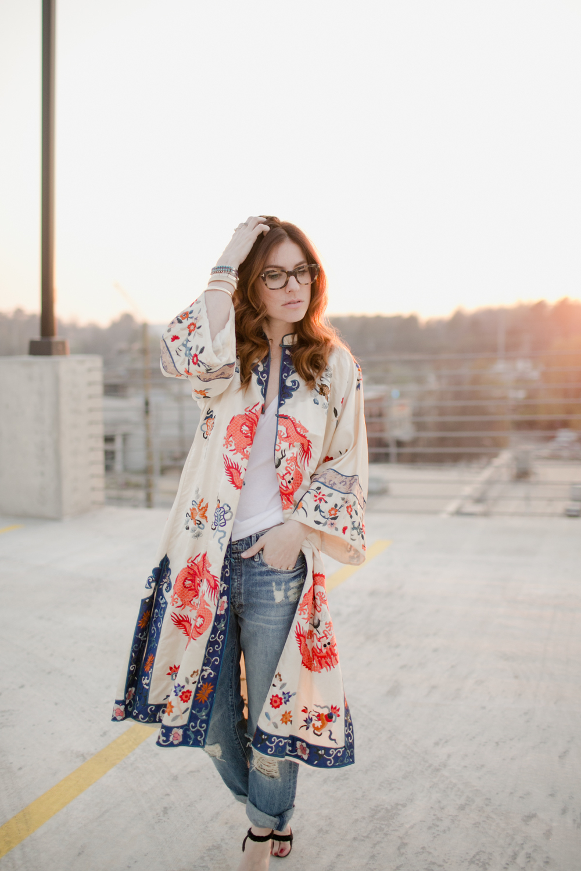 Eldridge_Edit_Anna_E_Cottrell_Tulip_Louise_Fashion_Blogger_Kimono_Deconstructed_Oversized_Boyfriend_Jean_Denim_Mother-White_T-shirt_Tom_Ford_Glasses_Joie_Heel_8.jpg