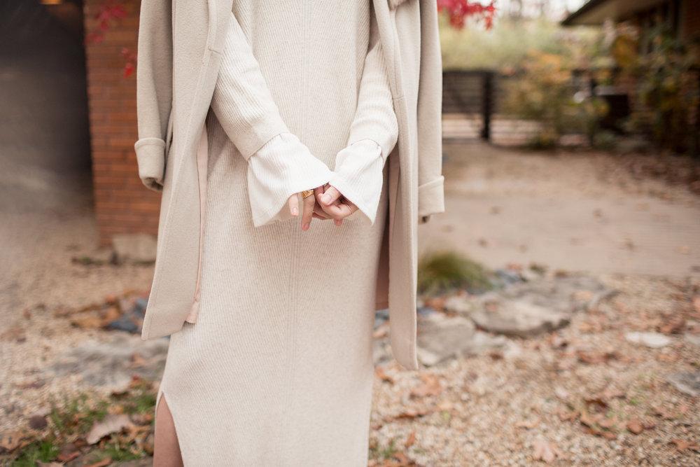 Eldridge Edit Fashion Blogger Fur Winter Whites Winter 2016 MGB Photo Rodin Lipstick 3.jpg