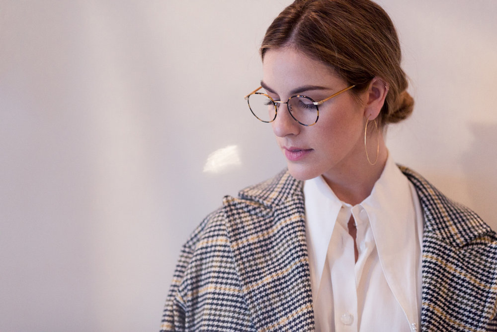 Eldridge Edit_anna_e_cottrell_fashion_blog_blogger_nordstrom_topshop_houndstooth_double_breasted_duster_coat_sale_topshop_garret_leight_glasses_thatch_lola_14k_gold_hoops_vintage_zara_bug_bag_mgb_photo_19.jpg