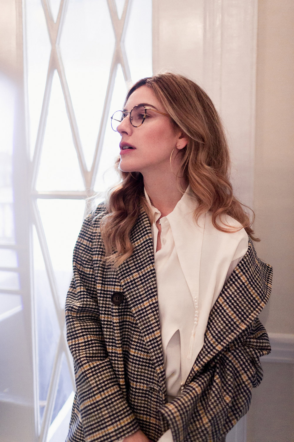 Eldridge Edit_anna_e_cottrell_fashion_blog_blogger_nordstrom_topshop_houndstooth_double_breasted_duster_coat_sale_topshop_garret_leight_glasses_thatch_lola_14k_gold_hoops_vintage_zara_bug_bag_mgb_photo_7.jpg